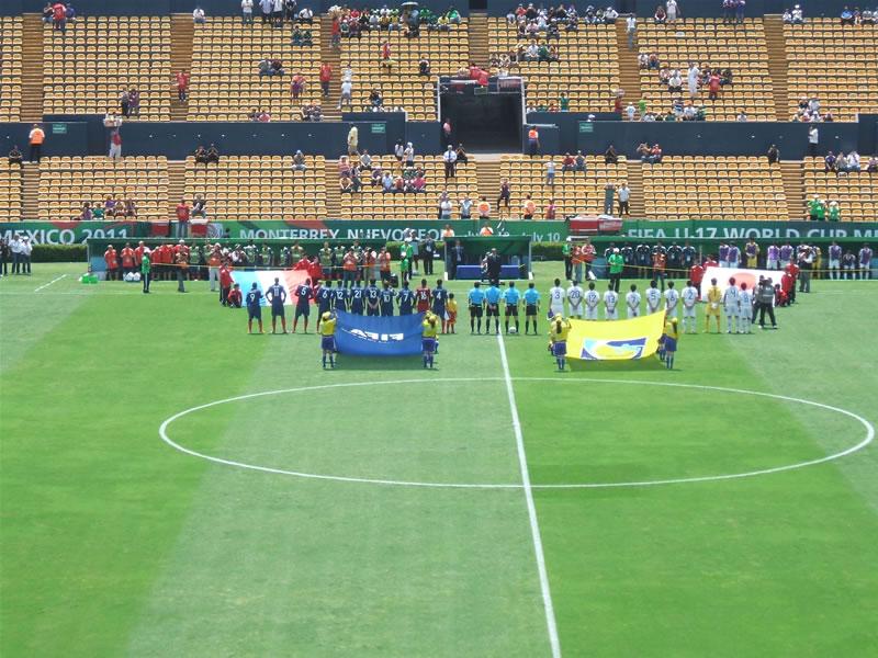メキシコ(モンテレイ)/Monterrey Estadio Universitario2011年6月21日