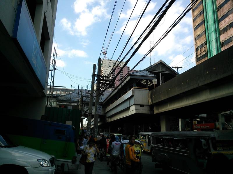 フィリピン/リサール・メモリアル・スタジアムの最寄駅付近2013年1月17日