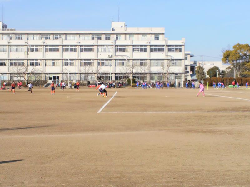 県立三郷高校グラウンド2013年1月13日